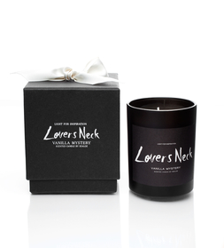 Lover's Neck Scented Candle